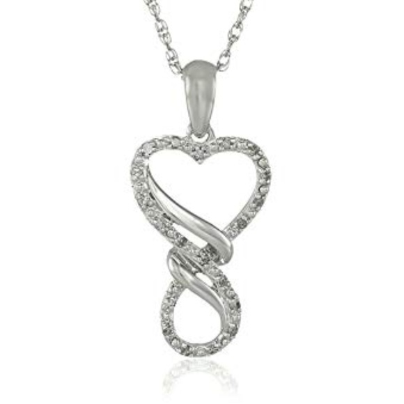 cab827a96886f Silver Diamond Infinity Heart Pendant Necklace NWT
